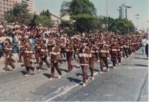"""Antigo uniforme marrom identificava os """"feijõezinhos"""""""