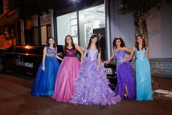 Noite de festa: mais de 30 empresas oferecem looks completos, acessórios e serviços