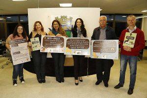 Por seu trabalho voluntário em prol dos animais, Analy (segunda da esq. para a dir.) chegou a ser homenageada no governo Paulo Pinheiro