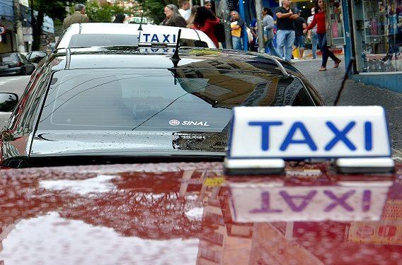 Taxis em Santo André - Foto - Angelo Baima_PSA (1)