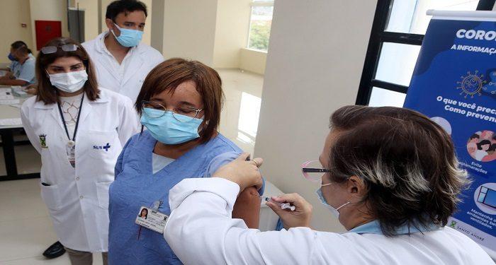 Vacinação CHM (Jacirlene Santos Fortuna) - Foto - Helber Aggio_PSA (1)